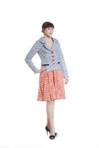 blaue Jacke mit Mohnblumenfutter Ansicht 1