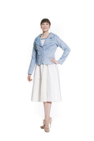 hellblaue Jacke mit blauem Seidenfutter