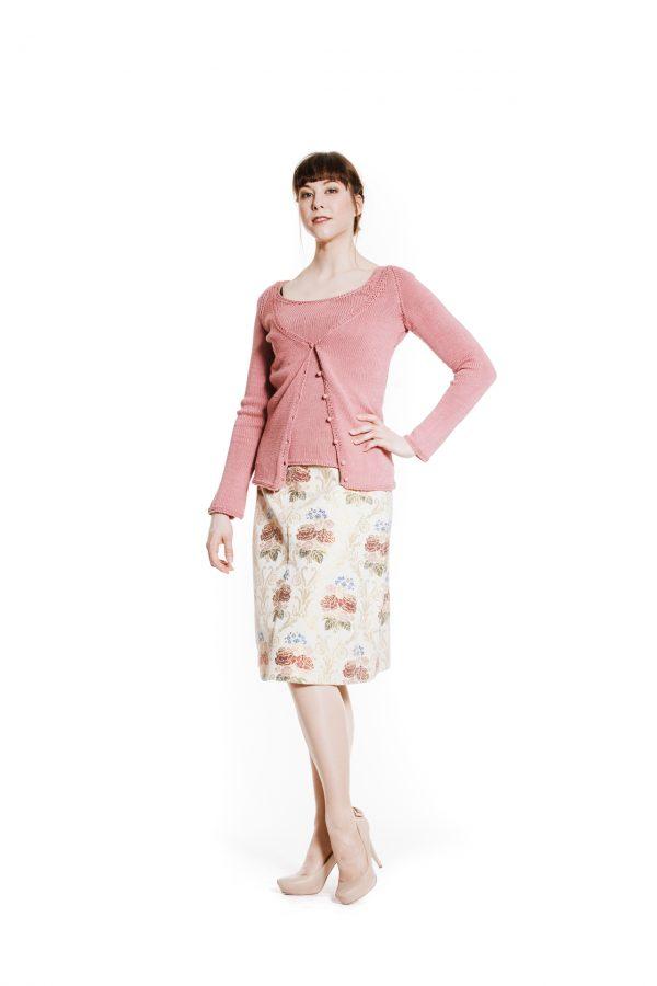 rosa Twinset mit Blumenrock Ansicht 1