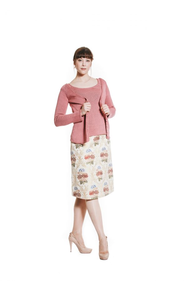 rosa Twinset mit Blumenrock Ansicht 2