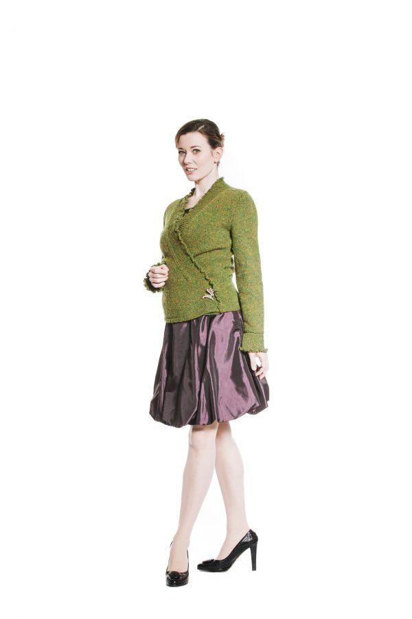 violetter Ballonrock und grüne Tweedjacke Ansicht 2