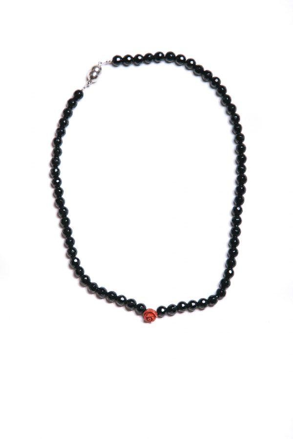Halskette jet black mit roter Rose