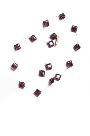 Halskette violette Glassteine