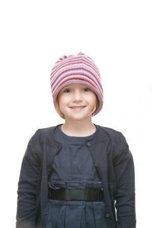handgestrickte Ringelhaube aus rosa und lila Baumwollgarn für 2-6 Jahre Variante 1