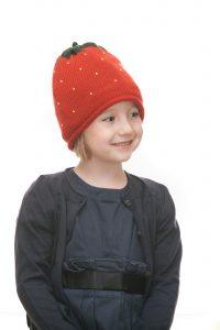 ninas needles Erdbeerhaube aus roter Merinowolle für 2 - 6 Jahre Ansicht 4
